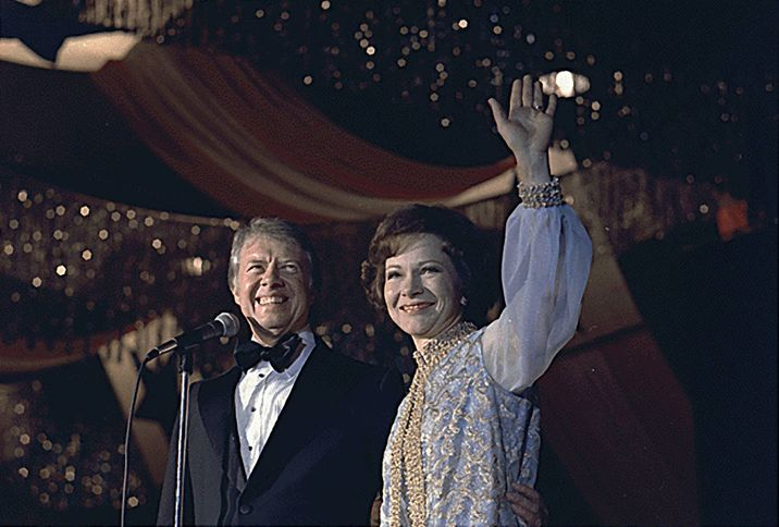 US President Jimmy Carter and first lady Rosalynn Carter attend an inaugural ball in Washington, D.C., USA on January 20, 1977. Photo by Jimmy Carter Library/National Archives/MCT/ABACAPRESS.COM  | 175709_024 Washington
