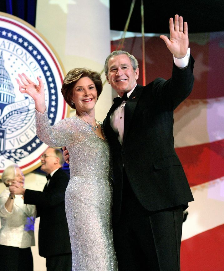 President George W. Bush and first lady Laura Bush dance at the Independence Ball, part of the inauguration festivities in Washington, DC, USA, on January 20, 2005. Photo by Chuck Kennedy/US News Story Slugged/KRT/ABACA.  | 71851_08