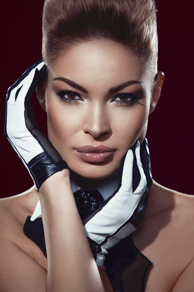 Valentina Pelinel 201