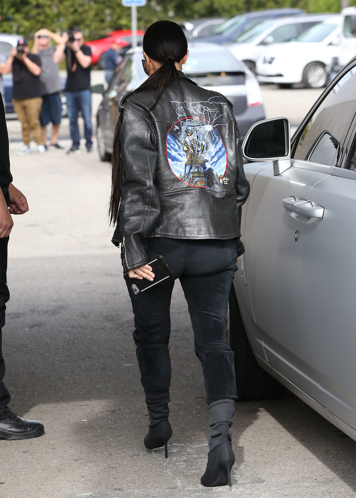 52308047 Reality stars Kim Kardashian, Kourtney Kardashian and Khloe Kardashian are spotted out for lunch at Cafe Vega in Sherman Oaks, California on February 8, 2017. Kim was sporting some futuristic sunglasses and a black leather jacket. Kim was missing her lip piercing that she debuted last month. FameFlynet, Inc - Beverly Hills, CA, USA - +1 (310) 505-9876