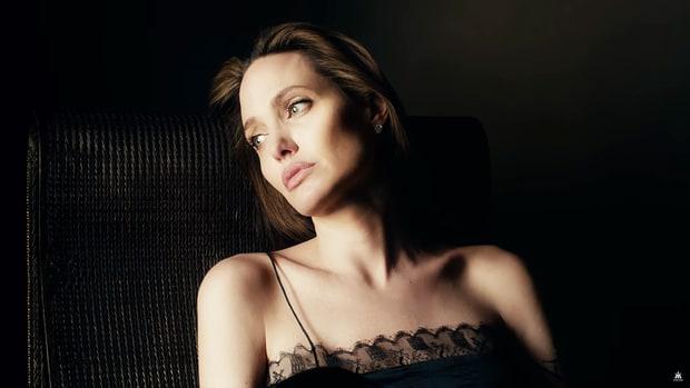 Angelina-Jolie-parfum