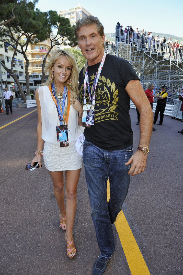 David Hasselhoff et sa compagne Hayley Roberts - People au Grand Prix de Formule 1 a Monaco 26/05/2013 US actor and producer David Hasselhoff and his girlfriend after the award ceremony of Formula One Grand Prix of Monaco at the Monte Carlo circuit, in Monaco, 26 May 2013. Nico Rosberg won the Grand Prix.
