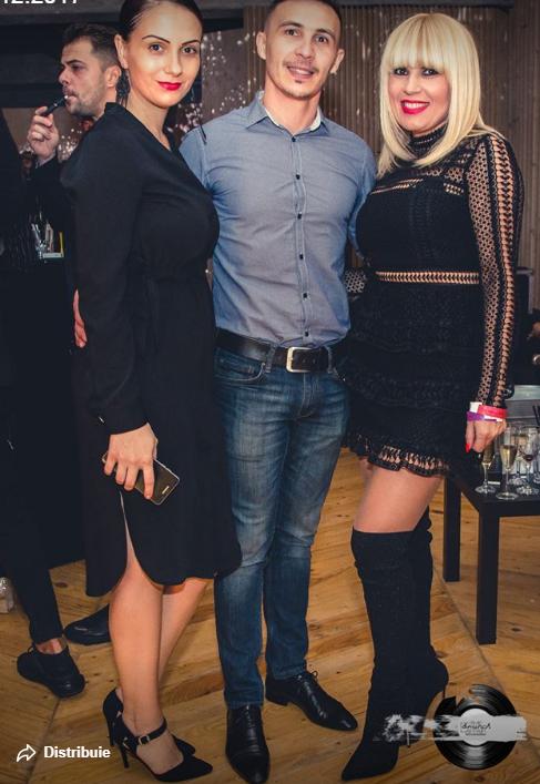 Elena Udrea Apariţie Uimitoare într O Rochie Mini în Club