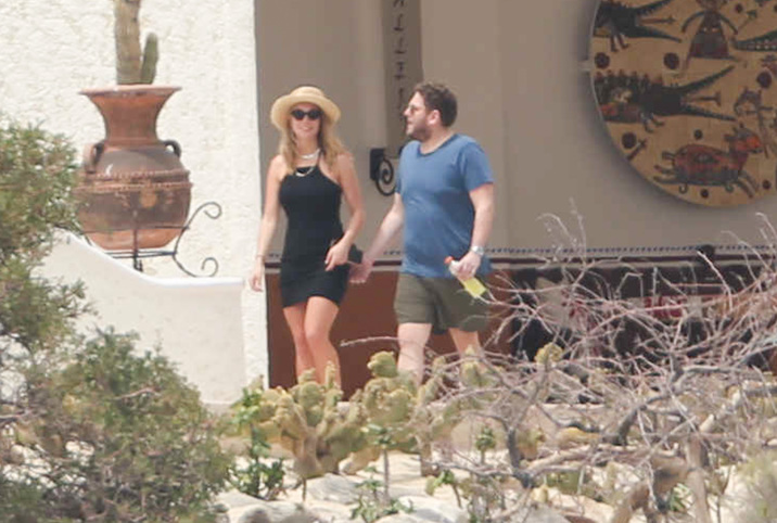 Exclusive... 52014405 Actor Jonah Hill was spotted relaxing with his friends in Cabo, Mexico on April 5, 2016. While he was out, they explored the area, ate lunch, and sat at their balcony.  Jonah had his sling in an arm from a new injury. FameFlynet, Inc - Beverly Hills, CA, USA - +1 (310) 505-9876