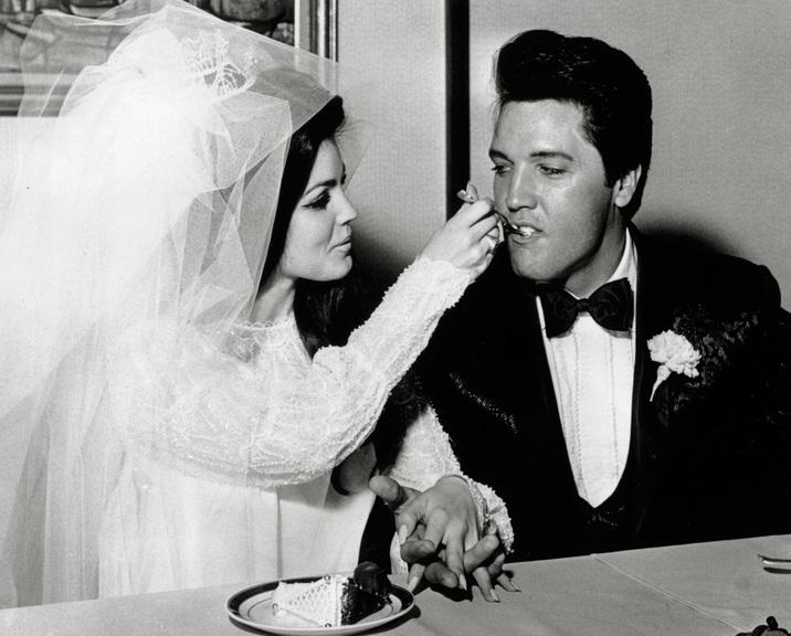 Elvis şi Priscilla s-au căsătorit pe 1 mai 1967, la hotelul Aladdin din Las Vegas.