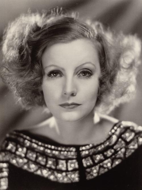 Greta i-a spionat pe naziştii din cercurile înalte.