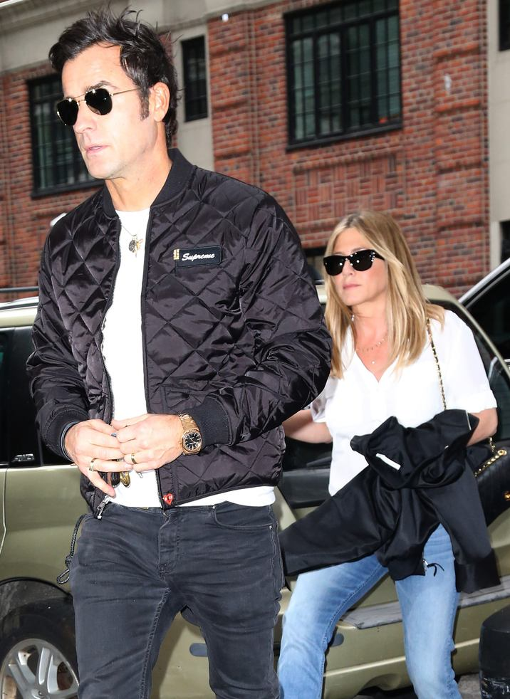 52188460 Actress Jennifer Aniston & Justin Theroux out and about in New York, New York on September 28, 2016. Justin recently spoke out against how his wife got thrown into the mess between Jolie and Pitt. FameFlynet, Inc - Beverly Hills, CA, USA - +1 (310) 505-9876