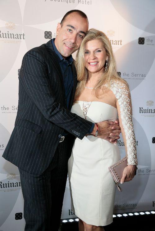 Sculptorul, alături de soţia sa.