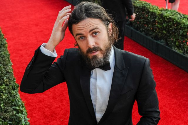 LOS ANGELES, CA - JANUARY 29:  Actor Casey Affleck arrives at the 23rd annual Screen Actors Guild Awards at The Shrine Auditorium on January 29, 2017 in Los Angeles, California.  (Photo by Emma McIntyre/Getty Images for TNT)