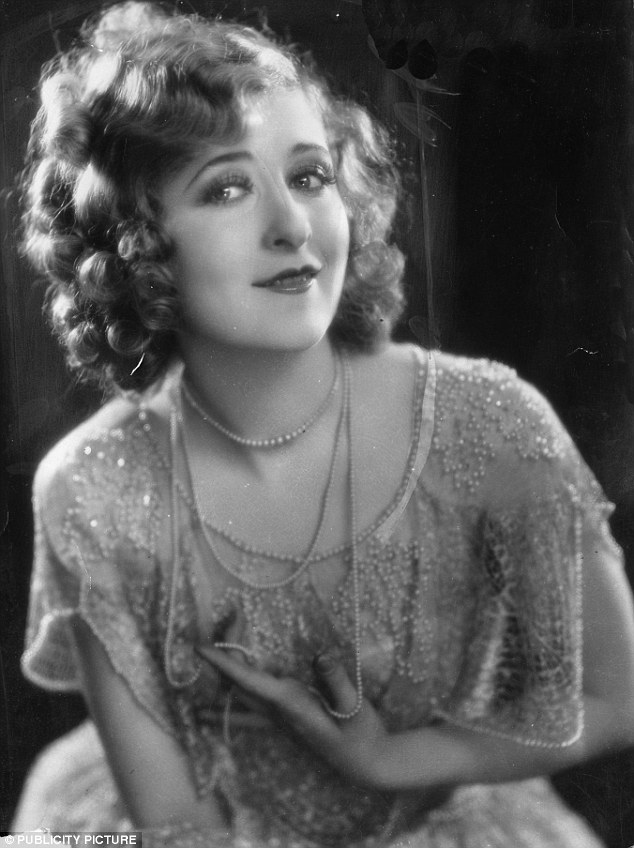 Mildred Harris a primit 100.000 de dolari la divorţul de Chaplin.