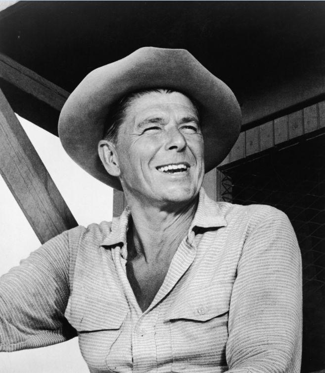 Ronald Reagan avea o preferinţă pentru tinerele virgine....