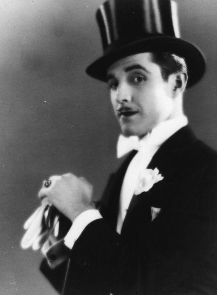 Ramon Novarro a fost îndrăgostit de Valentino.