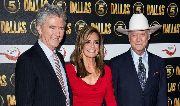 Patrick, alături de colegii din Dallas, Patrick Duffy, Linda Grey şi Larry Hagman