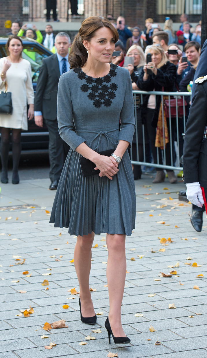 27 Oct 2015, London, England, UK --- Catherine, Duchess of Cambridge, wearing an Orla Kiely dress, visits Chance UK at Islington Town Hall in London. --- Image by © Zak Hussein/Corbis