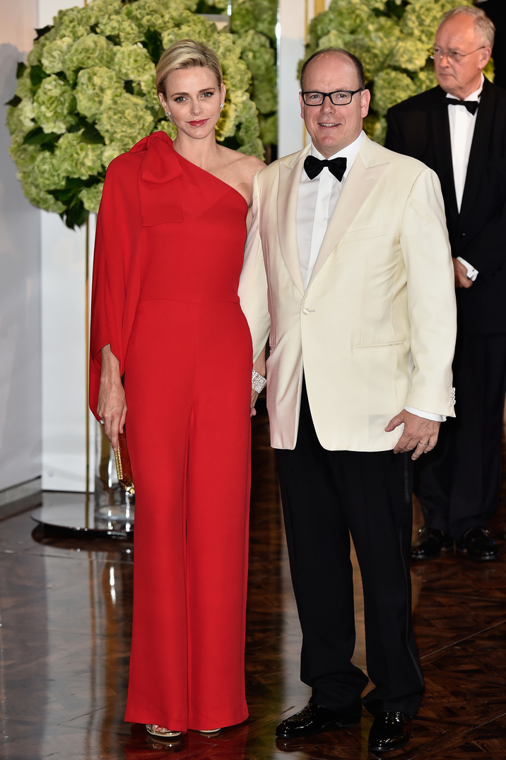 MONTE-CARLO, MONACO - JULY 25:  Princess Charlene of Monaco and Prince Albert II of Monaco arrive at the Monaco Red Cross Gala on July 25, 2015 in Monte-Carlo, Monaco.  (Photo by Pascal Le Segretain/Getty Images)