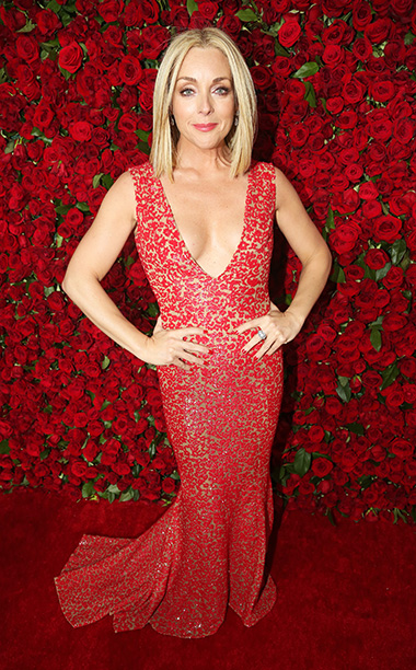 NEW YORK, NY - JUNE 12:  Actress Jane Krakowski attends the 70th Annual Tony Awards at The Beacon Theatre on June 12, 2016 in New York City.  (Photo by Bruce Glikas/FilmMagic)