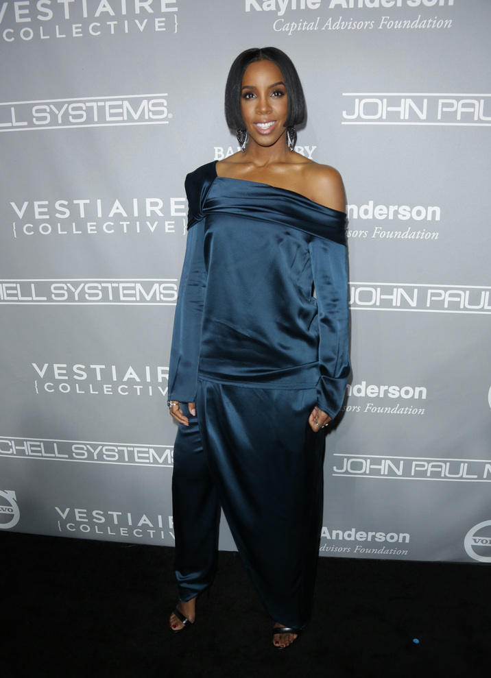Mandatory Credit: Photo by Jim Smeal/BEI/Shutterstock (7431596di) Kelly Rowland The Fifth Annual Baby2Baby Gala, Arrivals, Los Angeles, USA - 12 Nov 2016