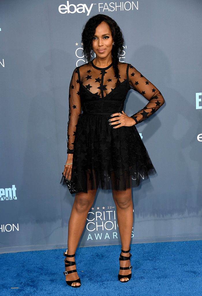 SANTA MONICA, CA - DECEMBER 11:  Actress Kerry Washington attends The 22nd Annual Critics' Choice Awards at Barker Hangar on December 11, 2016 in Santa Monica, California.  (Photo by Frazer Harrison/Getty Images)