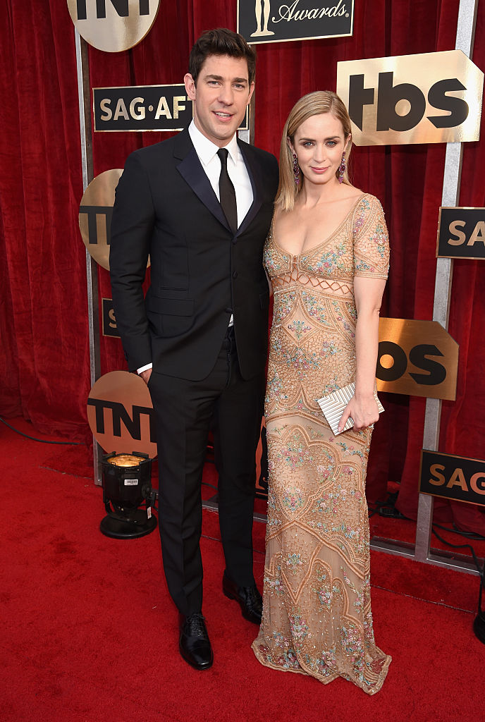 LOS ANGELES, CA - JANUARY 29: Actors John Krasinski (L) and Emily Blunt attend The 23rd Annual Screen Actors Guild Awards at The Shrine Auditorium on January 29, 2017 in Los Angeles, California. 26592_009 (Photo by Dimitrios Kambouris/Getty Images for TNT)