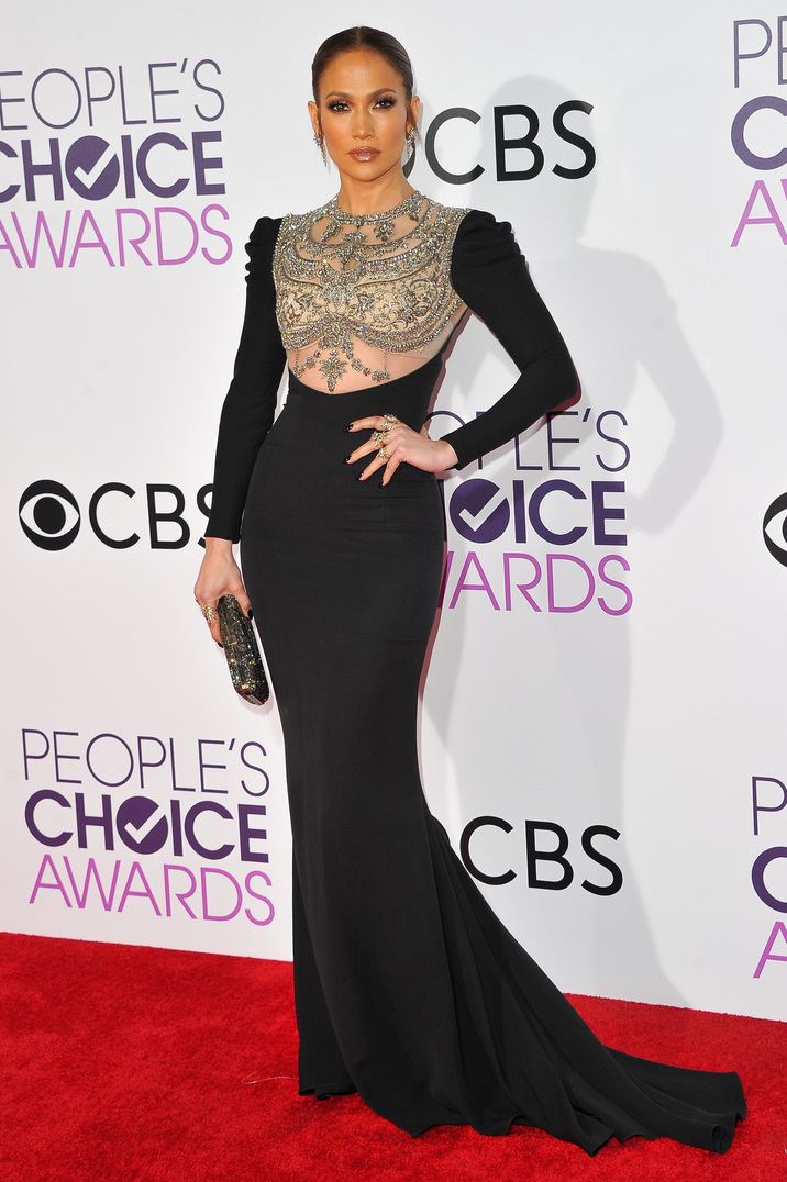 LOS ANGELES, CA - JANUARY 18:  Actress/singer Jennifer Lopez arrives at People's Choice Awards 2017 at Microsoft Theater on January 18, 2017 in Los Angeles, California.  (Photo by Allen Berezovsky/Getty Images for Fashion Media)