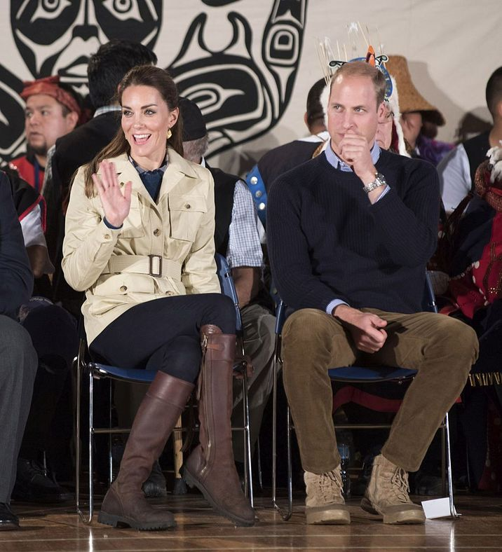 BELLA BELLA, BC - SEPTEMBER 26:  Catherine, Duchess of Cambridge and Prince William, Duke of Cambridge attend an official welcome performance during their visit to first nations Community members on September 25, 2016 in Bella Bella, Canada. Prince William, Duke of Cambridge, Catherine, Duchess of Cambridge, Prince George and Princess Charlotte are visiting Canada as part of an eight day visit to the country taking in areas such as Bella Bella, Whitehorse and Kelowna.  (Photo by Mark Large - WPA Pool/Getty Images)