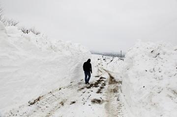 Zapada a inceput sa blocheze drumurile! Uite cum se desfasoara traficul in tara de cand a inceput sa ninga!