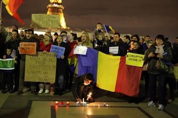 Diaspora sustine Romania si victimele din Colectiv! Uite in ce mari orase romanii nostri au protestat in tacere
