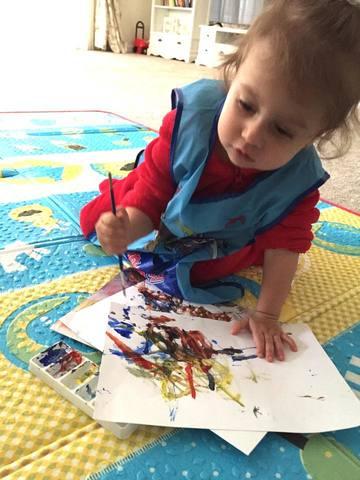 "Maya, fiica lui Connect-R e pasionata de desen! Uite ce ""pictura"" a realizat azi! Tatal ei este extrem de incantat!"