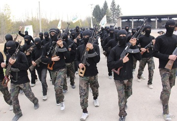 FOTO! Teroristii ISIS folosesc arme de la Revolutia din 1989! Pusca Semiautomata cu Luneta e fabricata la Cugir si a ajuns in mainile Statului Islamic