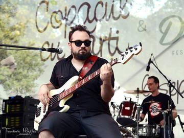 DEZVALUIRI | Necazurile se tin lant in familia lui Alex Pascu, chitaristul mort in incendiul de la Colectiv! Tatal liderului trupei Goodbye to Gravity s-a imbolnavit si a fost operat la ambii ochi!