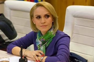 """Mesajul primarului Gabriela Firea, dupa ce Bucurestiul a fost inghitit de zapada: """"Se actioneaza fara intrerupere"""""""