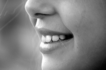 Boala care nu doare, dar care te lasa fara dinti! Atentie mare la aceste simptome!