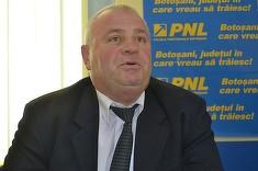 Barbatul care s-a pozat dezbracat in fata Parlamentului are o avere uriasa! Dumitru Zmau a fost sef al Politiei din Botosani!