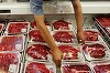 Supermarket din Arad, amendat pentru ca a vandut miercuri o caserola cu ceafa de porc pe care scria ca a fost ambalata joi