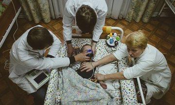 Halucinant!  Copii, aflati in pragul infometării, in orfelinate din Belarus! Un tanar de 20 de ani a ajuns sa cantareasca doar 11,5 kg!