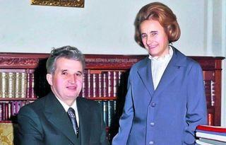 S-a aflat de curand si toti au ramas cu gura cascata! Ce s-a gasit in poseta Elenei Ceausescu dupa ce a fost executata?