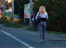 "Cum supravietuiesc prostituatele din Petrosani? Mariuta a povestit ce se intampla in strada: ""Car mereu dupa mine o plasa in care imi tin..."""