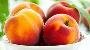 Piersicile nu ar trebui sa-ti lipseasca vara din frigider! Previn aparitia obezitatii, lupta impotriva cancerului si sunt o minune pentru pielea ta!