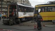 Accident la Pasajul Basarab din Capitala! Doua tramvaie s-au ciocnit