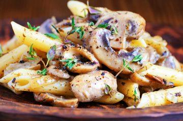 Gustul unic al Italiei vine in casa ta! Fa-ti in doar 20 de minute paste cremoase cu ciuperci