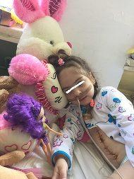 """Ce s-a intamplat cu fetita de 4 ani, batuta cu pumnii si picioarele de cea care i-a dat viata: """"Nici nu mai pronunta cuvantul 'mama'"""""""
