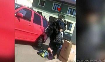 O femeie din Timisoara a furat din containerul pentru saraci rechizite scolare pentru copiii ei