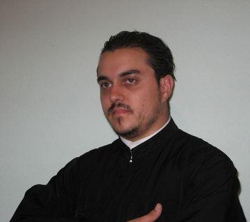 El este preotul care a oficiat botezul in urma caruia a murit un bebelus