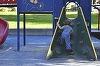 Incident la un loc de joaca din Portul Tomis! Un copil de 4 ani a cazut printre scandurile structurii unui tobogan