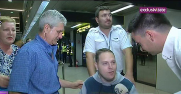 """Razvan Iordache a inceput sa isi miste picioarele dupa 22 de ani petrecuti in scaun cu rotile! Tanarul a fost operat in Thailanda si a facut progrese vizibile: """"Am renascut"""""""