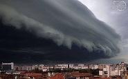 """Mesajul care i-a panicat pe bucuresteni! """"Situatia ciclonului e mult mai grava!"""" Ce a raspuns Primaria Capitalei dupa ce un SMS a speriat populatia"""