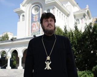 """Declaratiile unui preot despre femeile care au fost hartuite sexual: """"Nu cumva s-au ...?"""""""