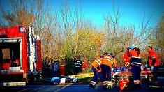 Accident cumplit pe DN68! Politistii i-au gasit morti in masina zdrobita. Alte 2 persoane se afla la spital