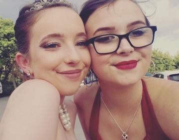O tanara de 16 ani a murit din cauza sindromului Rapunzel! Ce s-a descoperit la autopsie