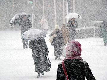 Dupa cateva zile ca de primavara, iarna loveste in forta! Anuntul facut de meteorologi